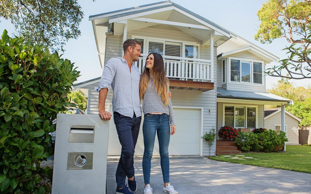 4 Reasons It's a Good Idea to Refinance Right Now